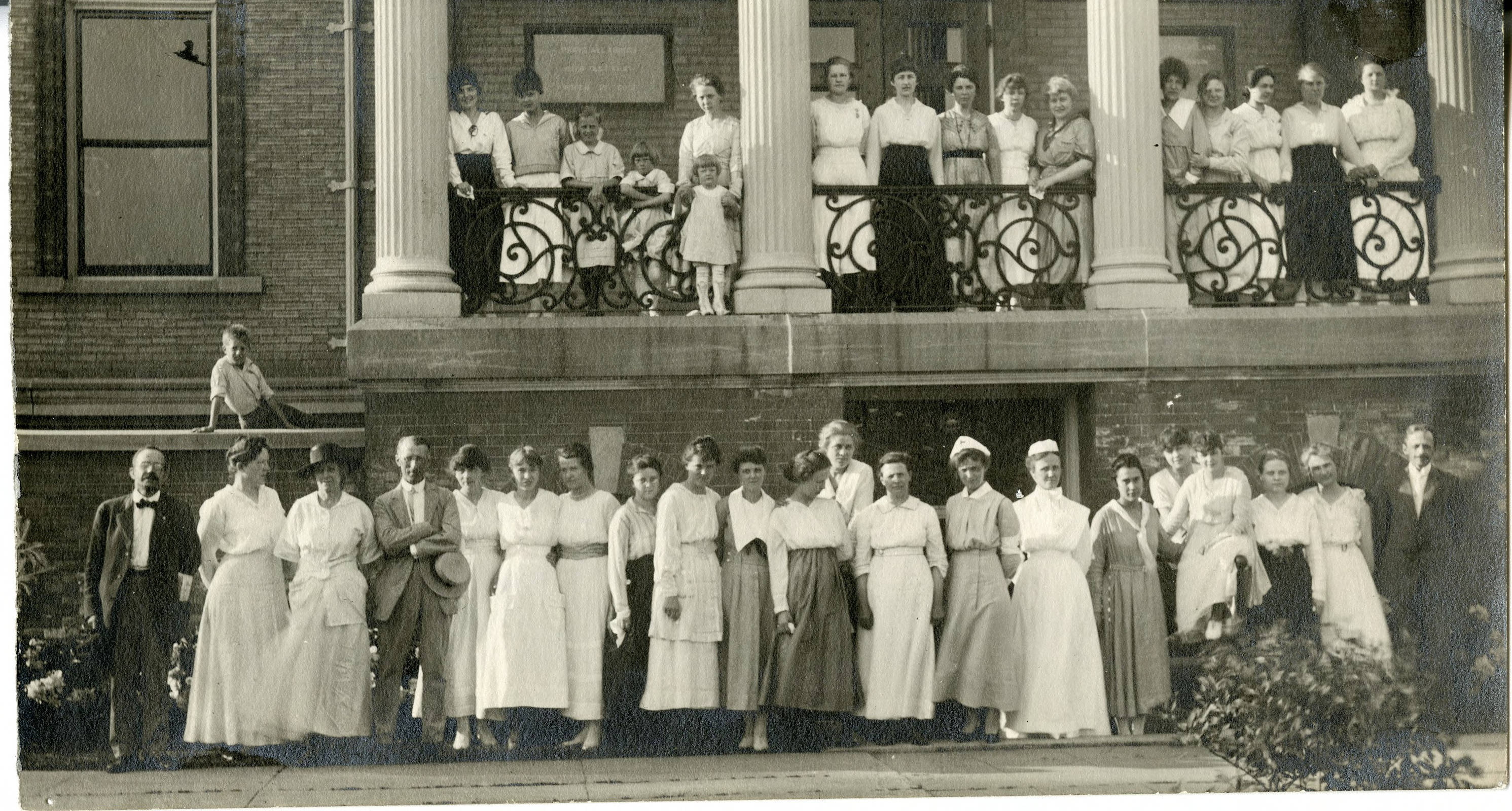 Members of the St. Olaf College Home Nursing, Red Cross, and First Aid programs